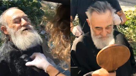 Taglia gratis i capelli ai senzatetto della sua città: il barbiere dal cuore d'oro