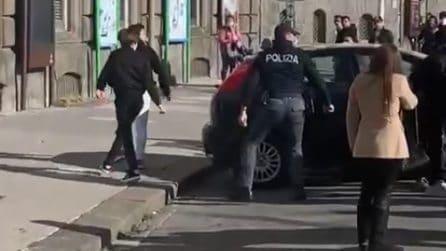 Napoli, rissa tra ragazzini sul lungomare: c'è un ferito