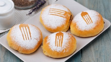 Fork brioche: fragrant and soft, perfect for your sweet snack!