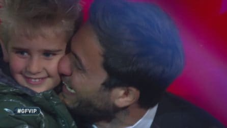 Grande Fratello Vip, Pierpaolo Pretelli incontra Ariadna Romero e suo figlio Leonardo