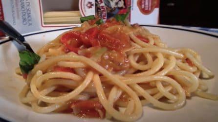 Spaghetti dell'ultimo minuto: la ricetta del primo piatto saporito