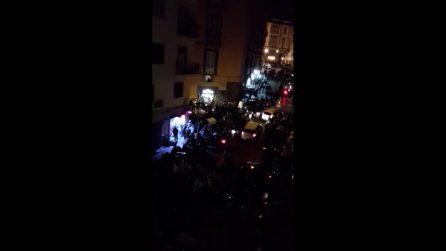 Movida da delirio a Napoli, in migliaia in piazza dal centro storico al Vomero