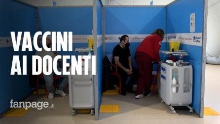 """Fiumicino, i prof si vaccinano contro il Covid: """"Lo facciamo per noi e per i nostri alunni"""""""