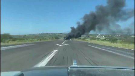 Drammatico incidente aereo in Messico: il velivolo militare si schianta durante l'atterraggio