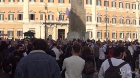 """Roma, protesta ristoratori e guide turistiche: """"O lavoriamo o vogliamo indennizzi"""""""