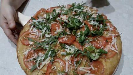 Pizza a lunga lievitazione: la ricetta per avere un impasto perfetto e alveolato