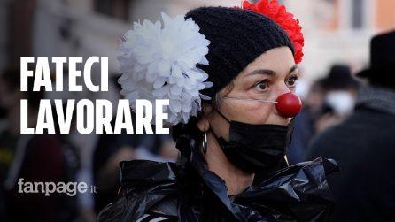 """Roma, protesta dei lavoratori dello spettacolo: """"Tutto fermo da un anno, fateci riaprire"""""""