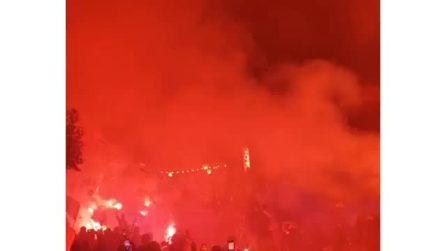 Lazio-Bayern Monaco, le immagini dei tantissimi tifosi biancocelesti presenti all'uscita di Formello