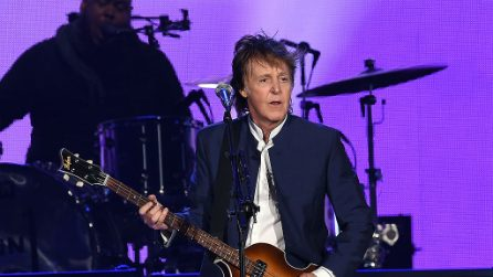 Paul McCartney, arriva l'autobiografia in 154 canzoni: a novembre in libreria