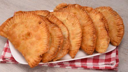 Calzoni fritti vegetariani: la variante piena di gusto che non vedrete l'ora di provare!