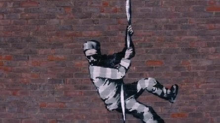 """Banksy mette la firma sulla sua opera: è suo il """"detenuto in fuga"""""""