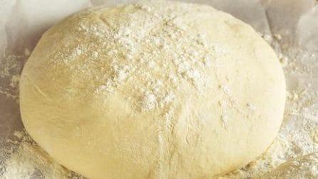 La ricetta dell'impasto base per pizza: saporita e alveolata