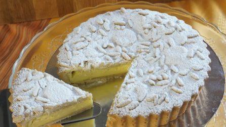 Torta della nonna: la ricetta del cremoso dessert che non delude mai