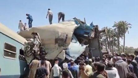 Egitto, scontro frontale tra due treni: le immagini dopo l'incidente