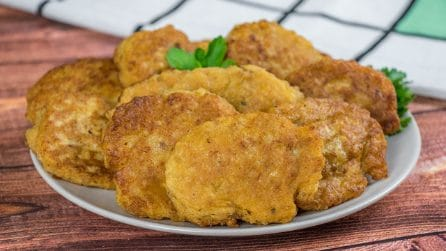 Meat fritters: a quick recipe for a spicy taste!