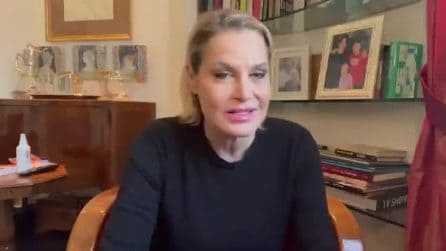 """Simona Ventura: """"Sono negativa al Covid"""""""