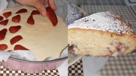 Torta soffice alle fragole: la ricetta veloce e piena di gusto