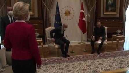 Polemica su Erdogan, lascia Von der Leyen in piedi durante visita