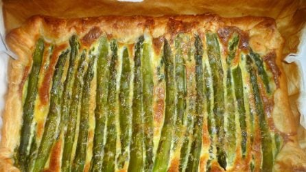 Quiche con asparagi e pancetta affumicata: la ricetta veloce e piena di gusto