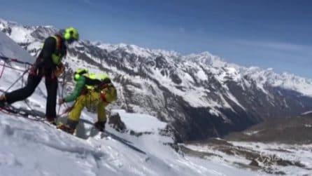 Valsavarenche, escursionista cade nel crepaccio: il video del salvataggio in quota