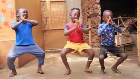 Il brano di Bob Sinclair parte e questi bambini danno spettacolo