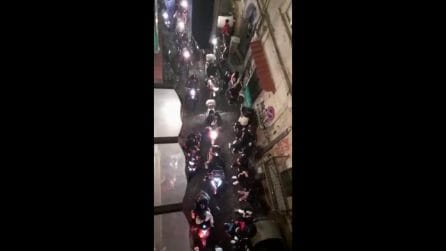 """Napoli, Zona rossa vìolata: Piazza Mercato ed i Quartieri Spagnoli in balia di """"branchi"""" di scooter di giovanissimi"""
