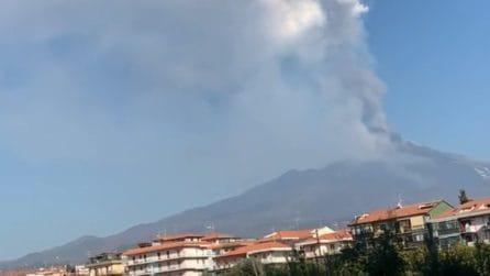 L'Etna erutta ancora: si sentono forti boati del vulcano