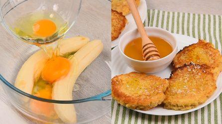 Frittelle di banana e cocco: semplicissime da preparare e buonissime servite col miele!