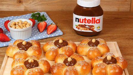 Fiori brioche con Nutella®: la ricetta originale per una colazione golosa!