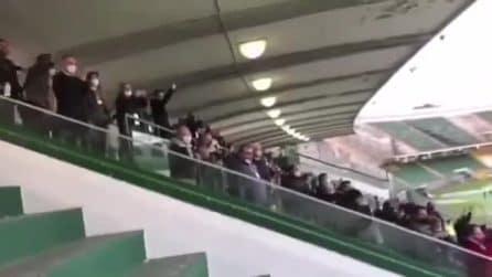 Tifosi allo stadio Partenio per Avellino-Bari, in piena zona rossa