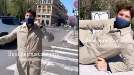 Stefano De Martino canta per strada: il video girato da Stash