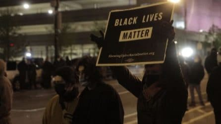 In Ohio notte di proteste per la 16enne uccisa dalla polizia