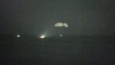 Spazio, Crew 1 missione compiuta: ammaraggio notturno in Florida