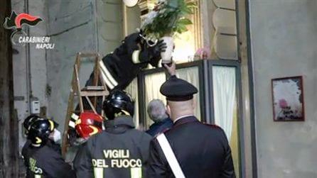 Napoli, le immagini della rimozione dall'altarino con le ceneri del boss Emanuele Sibillo