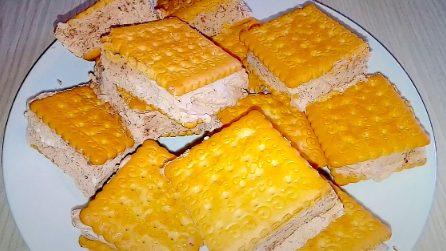Biscotti gelato panna e cacao: la merenda fresca e gustosa da fare a casa