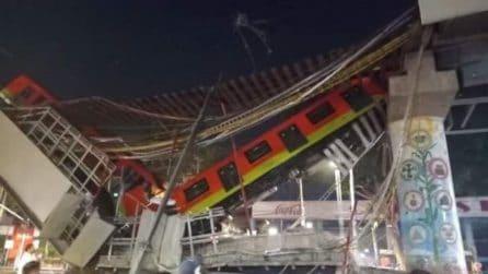 Crolla il ponte della metro, i vagoni cadono nel vuoto: tragedia a Città del Messico