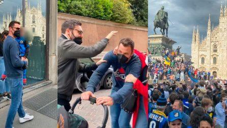 Inter, Padelli festeggia lo scudetto tra i tifosi in strada