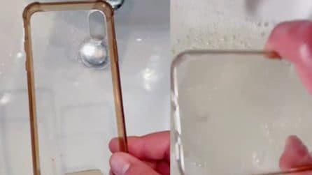 Non buttare la cover se è sporca: ecco come ripulirla e farla tornare come nuova