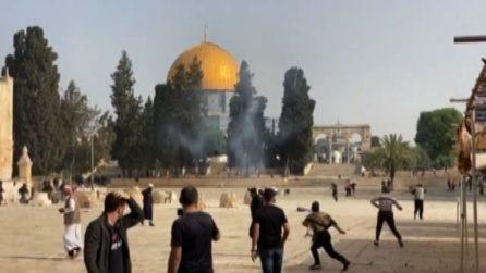 Gerusalemme, scontri sulla Spianata: centinaia di feriti