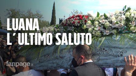 """L'ultimo saluto a Luana. Il vescovo: """"Inaccettabili morti sul lavoro, le cose cambino"""""""