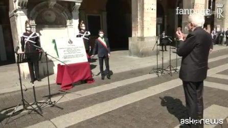 """Mattarella a Cremona: lapide per le vittime del Covid: """"Fiducia in una ripresa veloce e efficace"""""""
