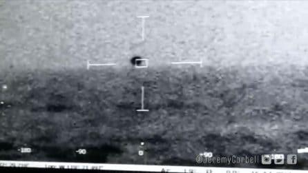 UFO in grado di immergersi filmato dalla marina americana: le immagini