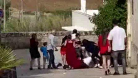 Lecce, matrimonio finisce in rissa: botte tra sposo e testimone