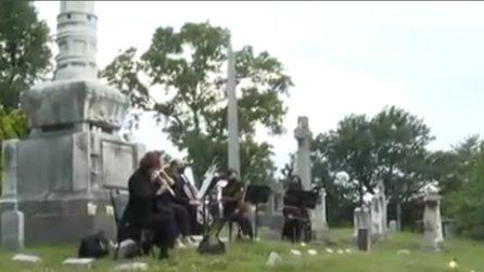 Concerti al cimitero e nelle catacombe: la musica risuona sottoterra