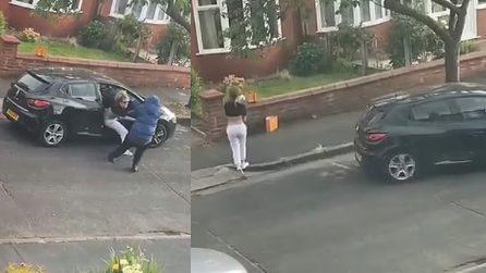 Malviventi le rubano l'auto, mamma riesce ad afferrare in tempo il figlio di 2 anni