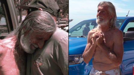 """Senzatetto riceve il dono che gli cambia la vita: """"Che Dio benedica queste anime buone"""""""