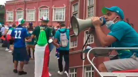 Norme anti-Covid annunciate col megafono davanti all'Olimpico