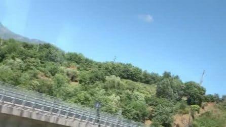 Camion precipita da un viadotto della Salerno-Reggio Calabria: due morti