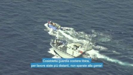 La Guardia costiera libica spara in acqua contro i migranti, il video di Sea Watch