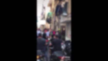 Napoli, l'omaggio degli amici di Burgio, ucciso a Palermo, davanti al murale di Ugo Russo